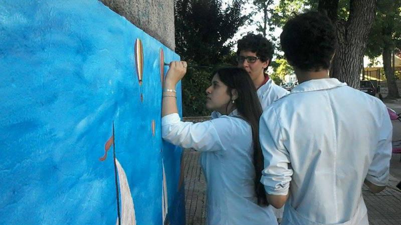 Intervencion Urbana en el Liceo 1 de Paysandu Murales 6to matematica diseno