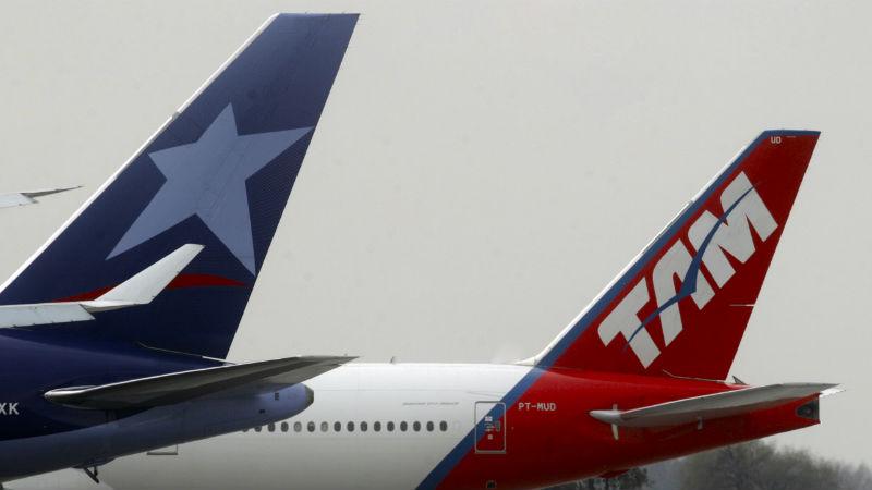 LATAM LAN y TAM primeras en sudamerica en habilitar el uso de dispositivos moviles durante todo el vuelo